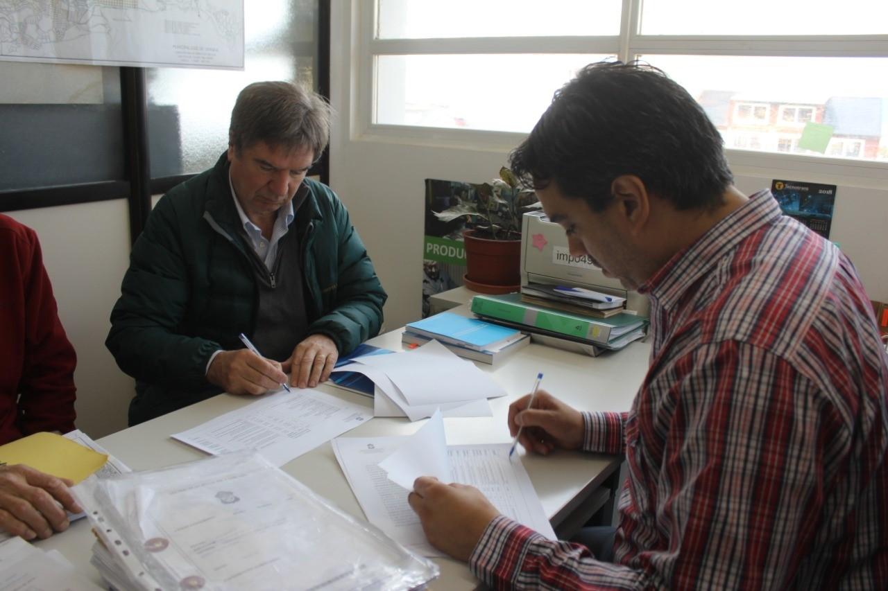 Se firmó el contrato para la construcción de la cuarta mano de Hipólito Yrigoyen