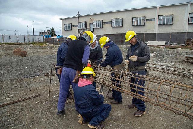 El ministro Vázquez recorrió la obra del hospital regional Ushuaia