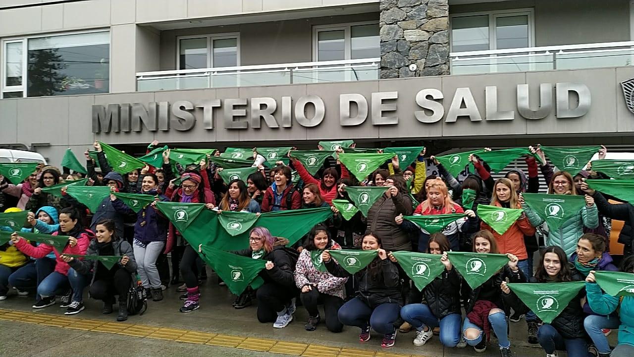 Las mujeres volvieron a reclamar en Ushuaia por el aborto legal y gratuito