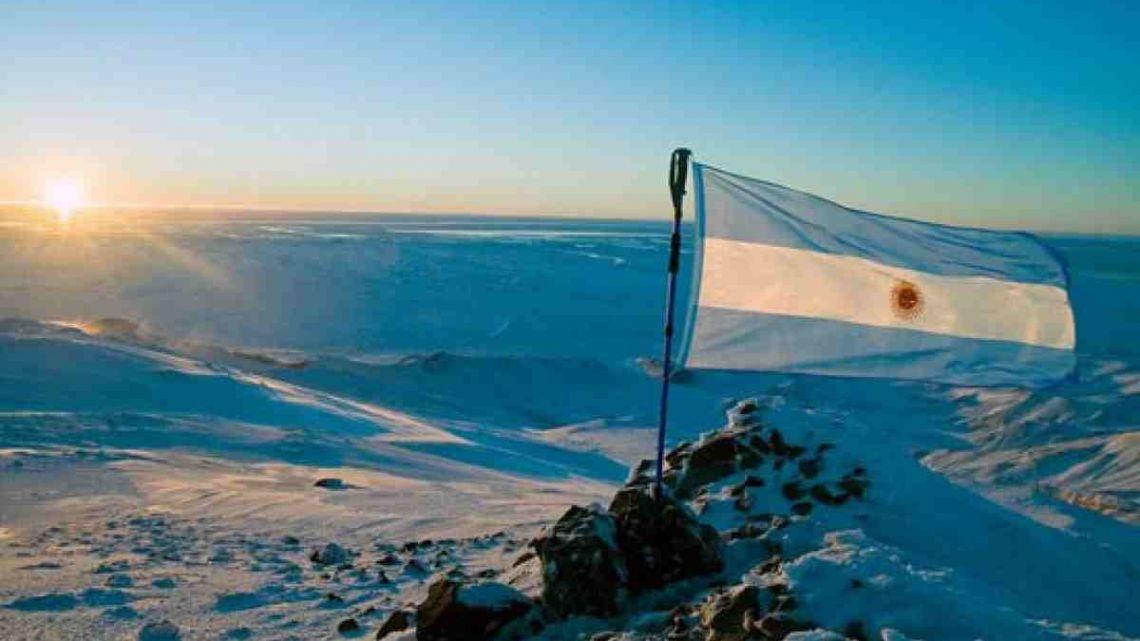 """Bertone: """"Hay que promover el sentido de pertenencia sobre la Antártida argentina y fueguina"""""""